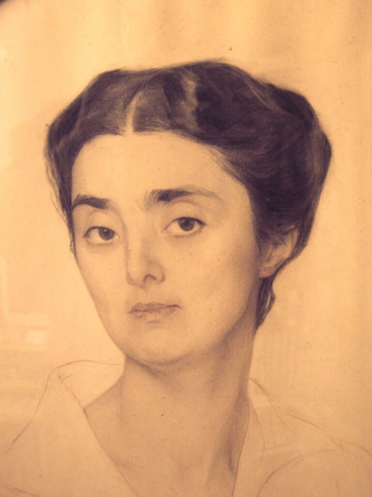 Портрет М. Соловьевой. 1915 год. Смешанная техника. 86 Х 67 .(овал).Фрагмент