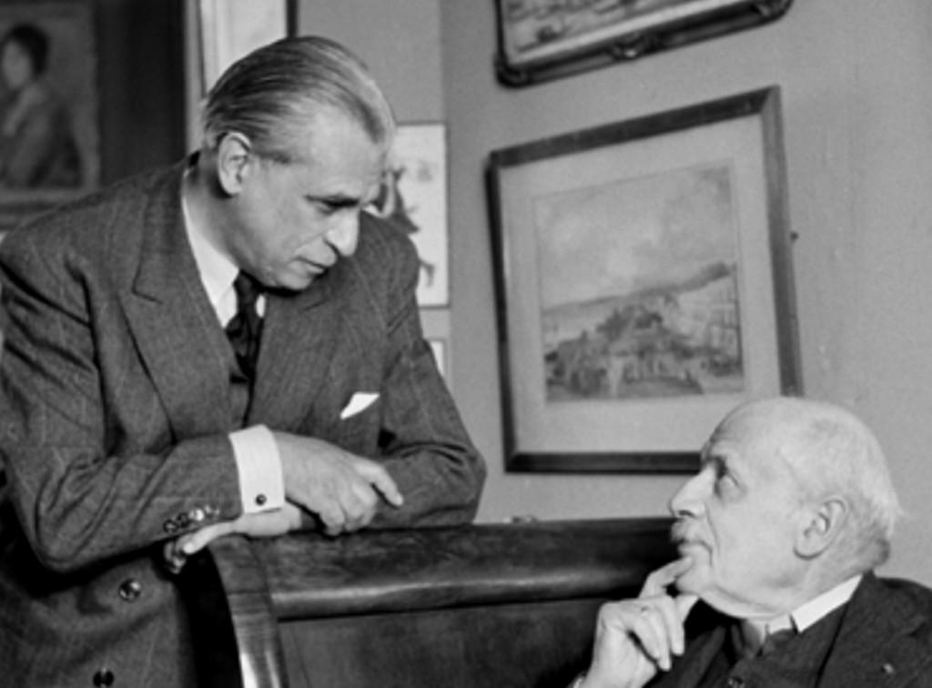 Савелий Сорин (слева) и  Александр Бенуа Париж. Октябрь  1946. Фото Б. Липницкого