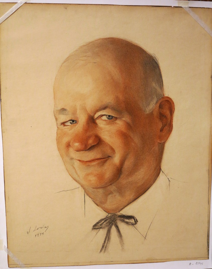 7.  Портрет актера 1934г сангина,гр. карандаш, уголь47x38.3ГРМ