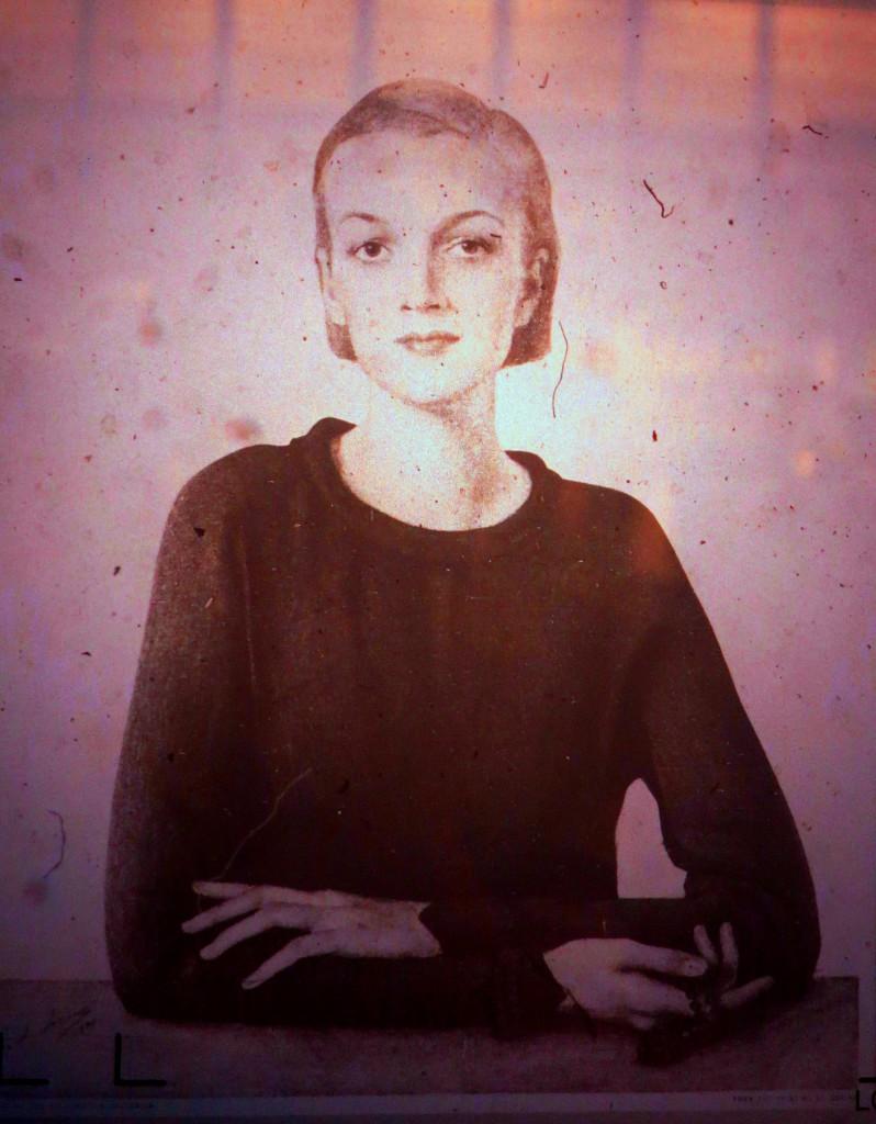 Портрет неизвестной   до 1934г (страница журнала США)