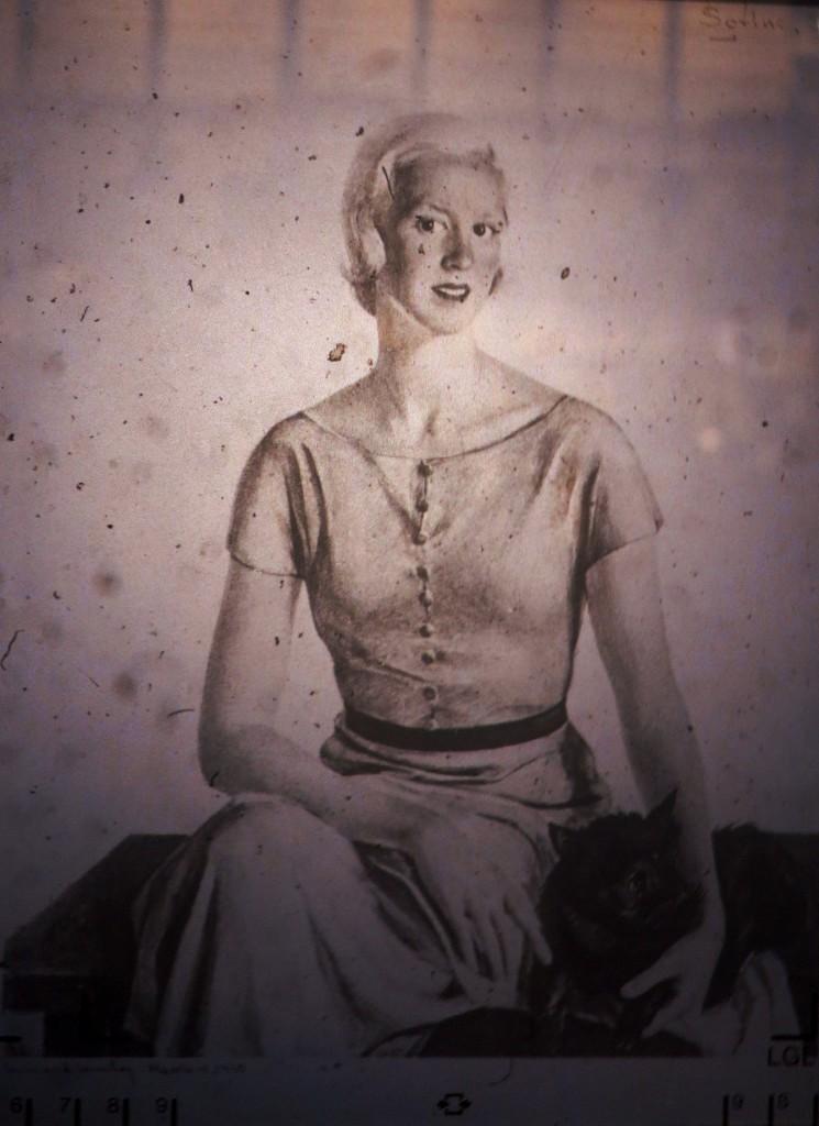 Mrs.Nicolas Saltus Ludington -Катерина-1939 (страница журнала США)